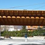 Struttura per autolavaggio in ferro con tetto in legno