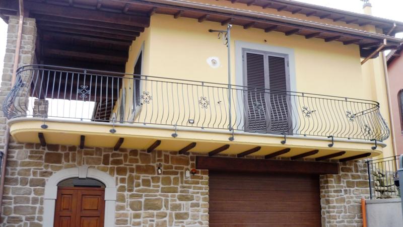 Ringhiere faf di fulvi rolando figli for Grate in legno per balconi
