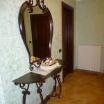 Consolle con specchio in stile classico